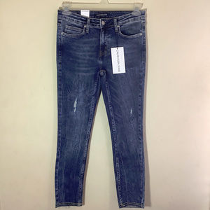 Calvin Klein Mid Rise Skinny Ankle Jeans NWT